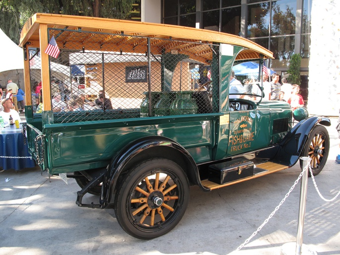 Vintage fish planting truck at Long Beach Fred Hall Show
